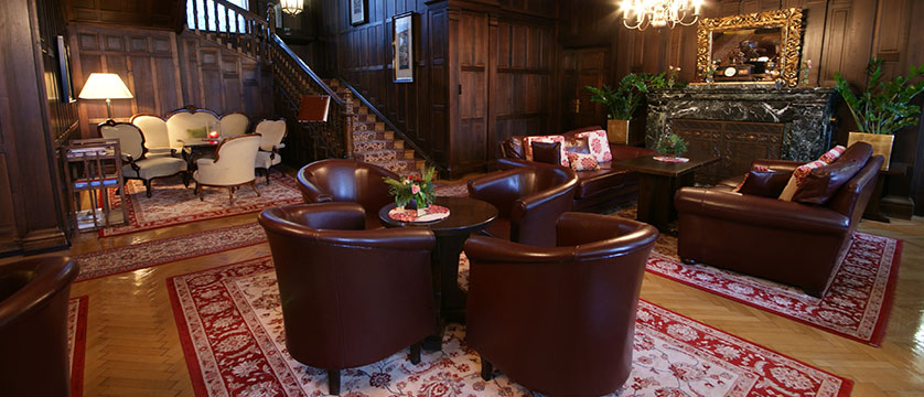 Hotel Billroth, St. Gilgen, Salzkammergut, Austria - lobby with seating area.jpg